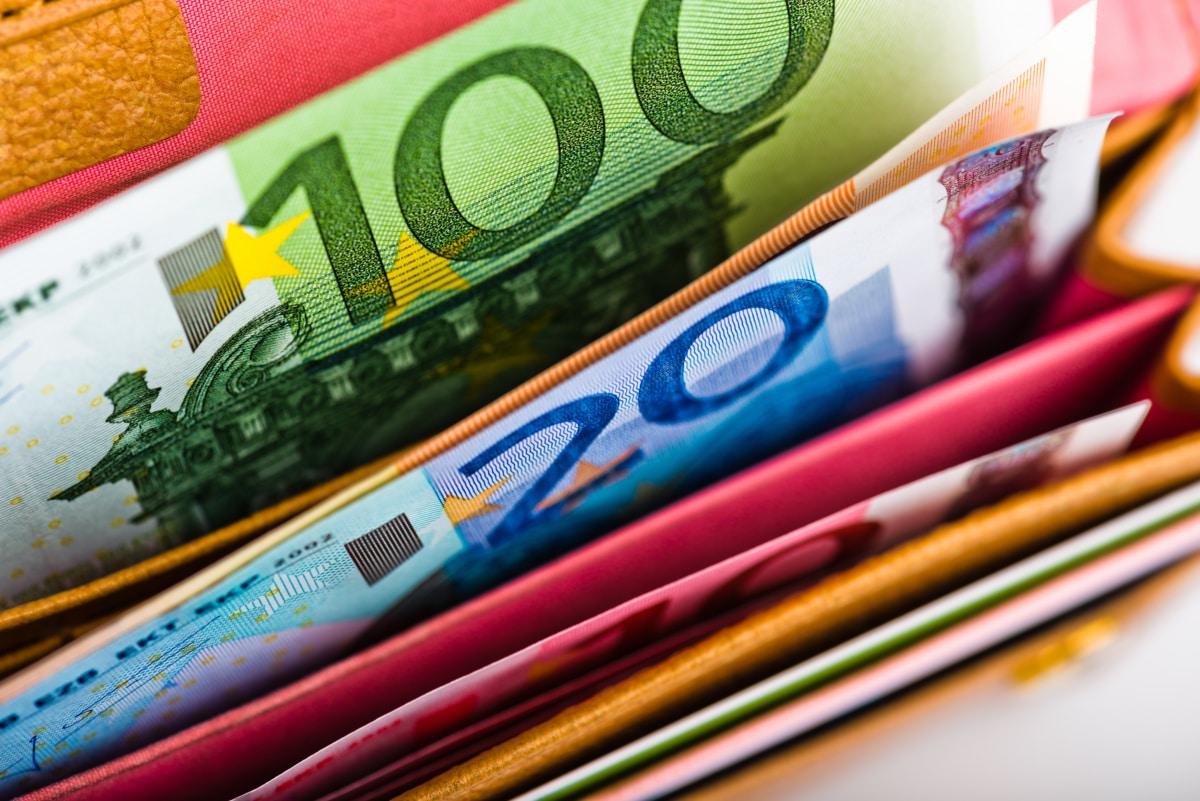 Euro,Money,In,Wallet